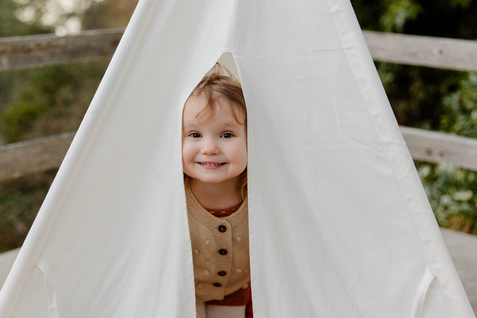 kind in tent